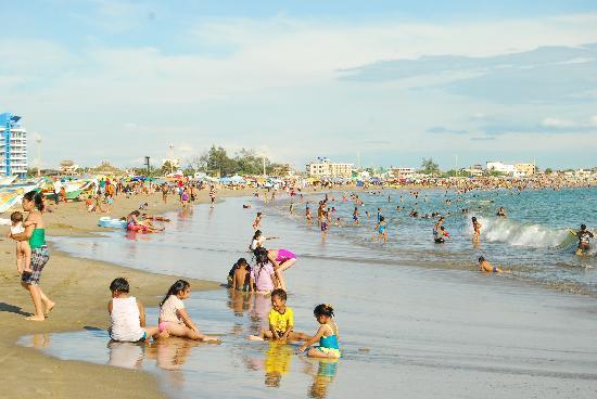 General Villamil Beach: 17 Km de playas, es la mas grande de América del Sur