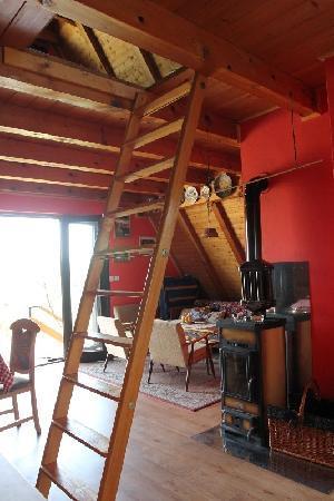 Vikend Pri Bubeki: stairs to the 1st floor