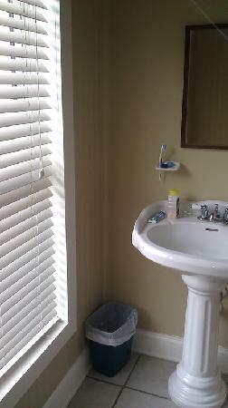 Beach Walk Hotel: CLEAN bathroom!