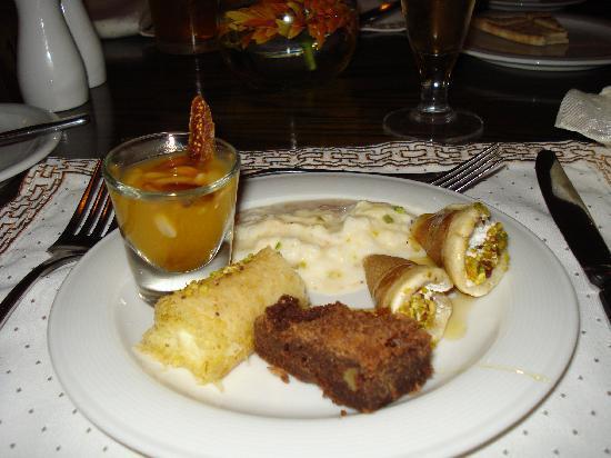 Grand Swiss-Belresort Tala Bay, Aqaba: Hum! desserts à perdre la ligne