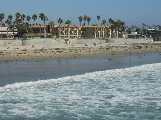 Ocean Park Inn: View of the hotel from Crystal Pier