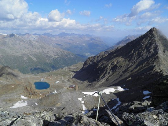 Hochgurgl, Austria: The Oetztal with the majestic Schermerspitze at right