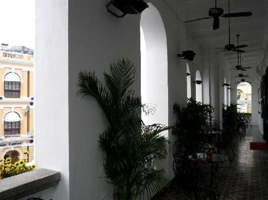 The Museum Of The Holy House Of Mercy Of Macau: 2階ベランダ