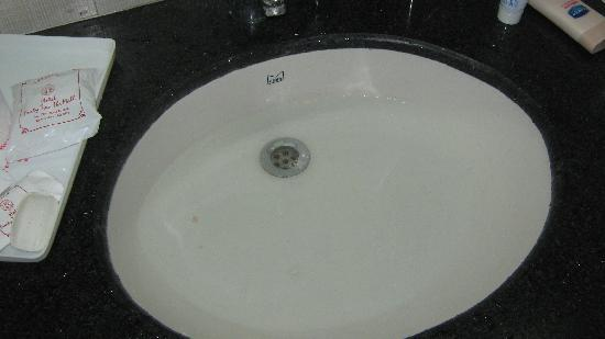 ‪‪Hotel 42 Amritsar‬: chocked basin‬