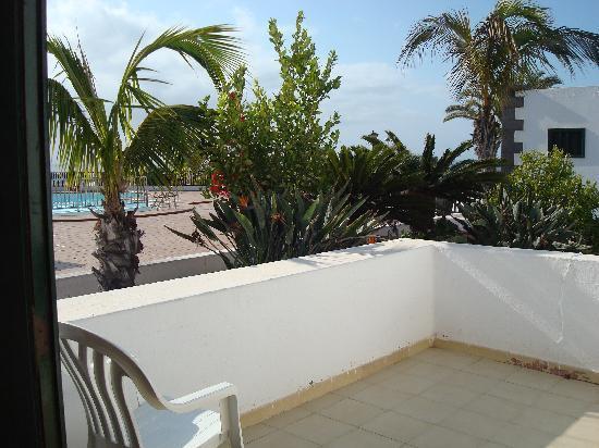 Los Pueblos Apartments: balcony