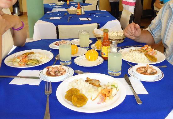 Hotel Ninfa : A typical lunch