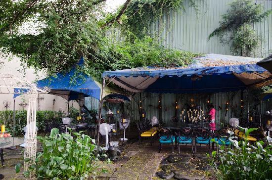 Sun Moon Lake Full House Resort: garden