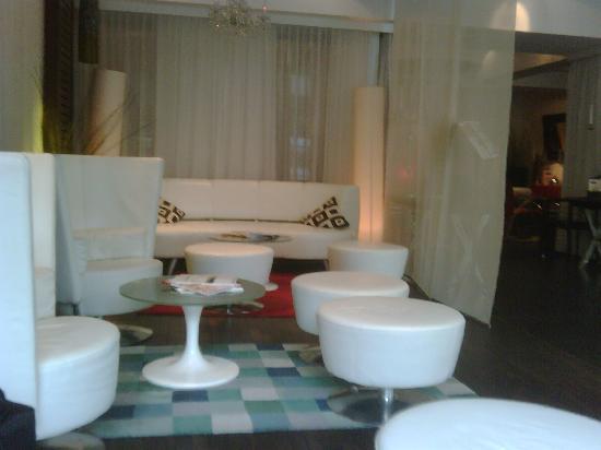 Galerie Design Hotel Bonn: Lobby
