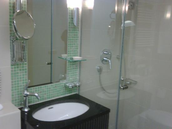 Galerie Design Hotel Bonn: Bathroom