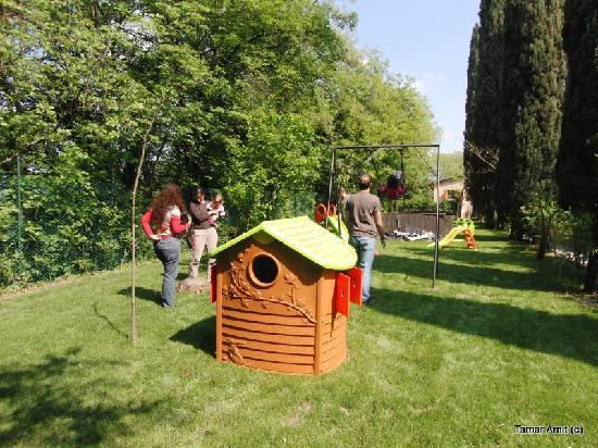 Agriturismo Pieve San Nicolo': The outside play area