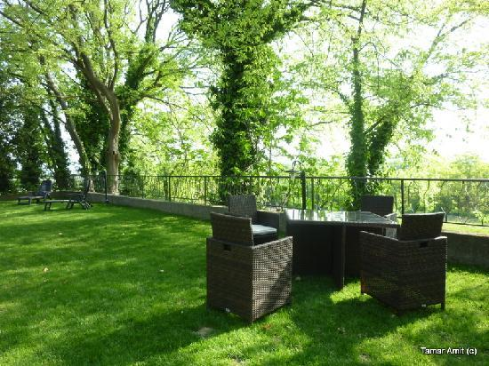Agriturismo Pieve San Nicolo': The outside relaxation area