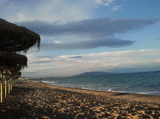 Servigroup Marina Mar: Atardecer en la playa