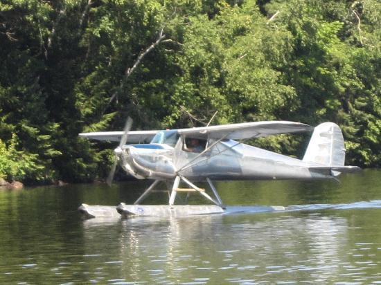 Lakewoods Resort: Sea Plane