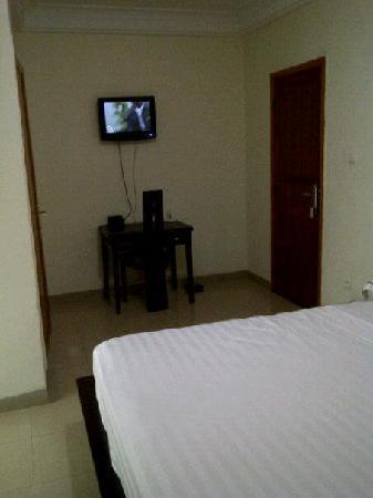 Hotel IBA: tele et bureau