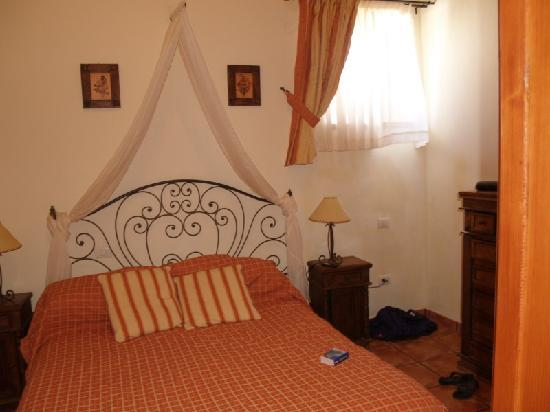 Tenerife Self Catering - La Bodega: Lovely and comfy bed