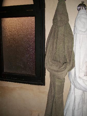 Riad Kheirredine: verveine bathroom