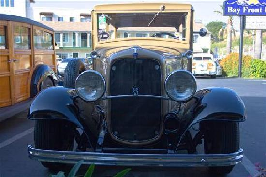 Bay Front Inn: Vintage rides welcome