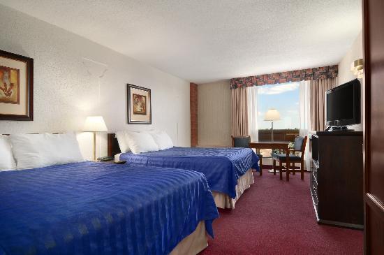 Ramada Lethbridge: 2 Queen Bedded Room
