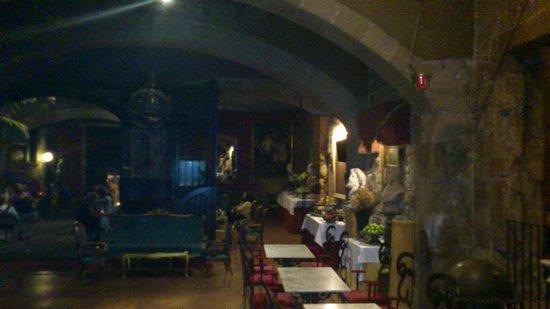 Palau Dalmases : Parte del local interior