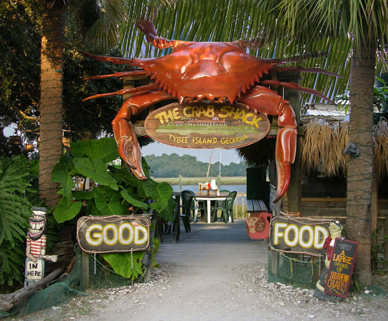 The Crab Shack: Through this giant crab walk the BEST customers in the world!