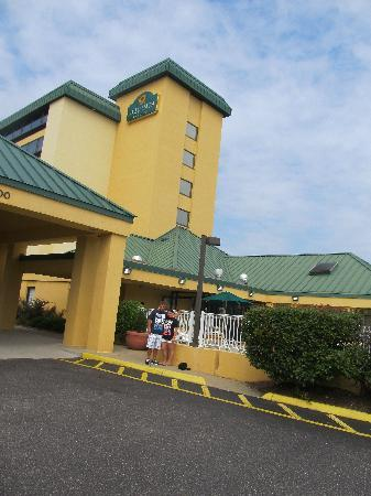 La Quinta Inn & Suites Virginia Beach: LaQuinta Inn VA Beach