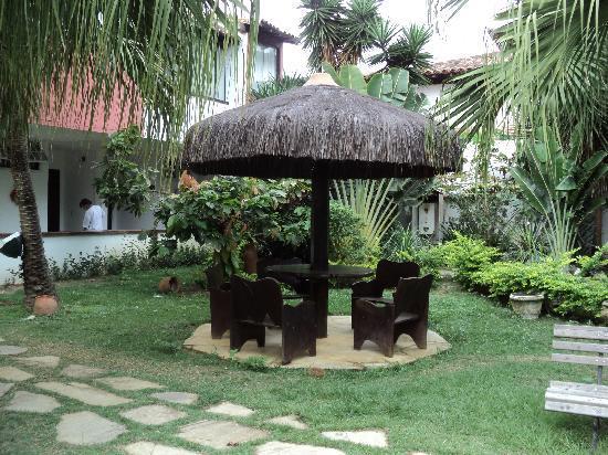 Foto de pousada casa do catavento b zios jardines del for Jardines traseros