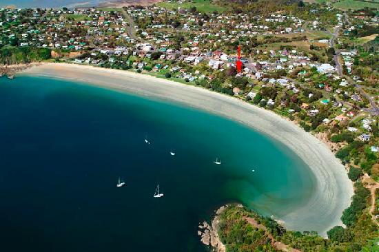 SeaDream: Aerial of Oneroa Bay
