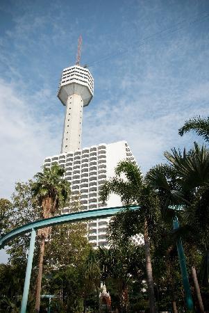 Pattaya Park Beach Resort: tower