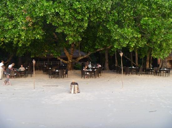 The Andaman, A Luxury Collection Resort : Beach front bar and resturant