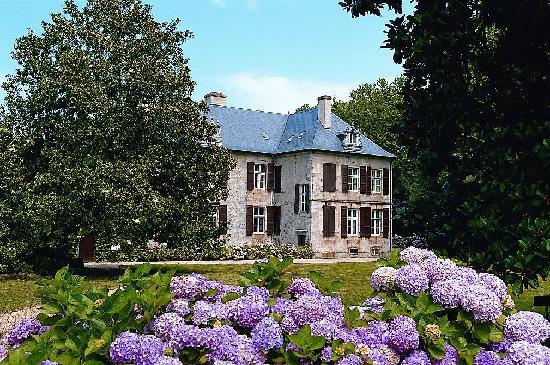 Chateau d 39 urtubie urrugne france castle reviews for Hotels urrugne