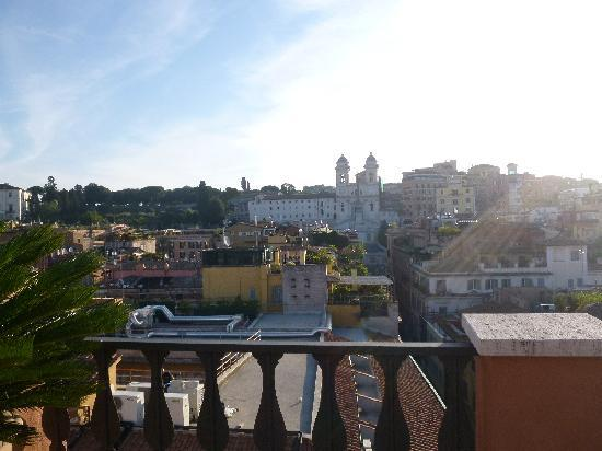 Portrait Roma: Morning view - rooftop terrace