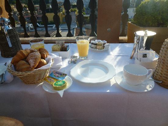 Portrait Roma: Breakfast