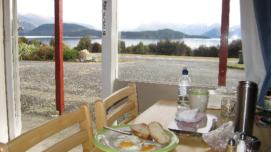 Manapouri Lakeview Motor Inn: Fantastic view of the lake from the room