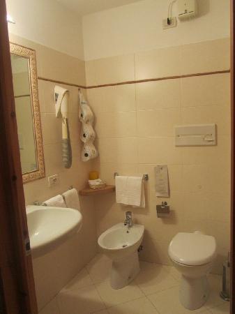 Hotel Silene: Bathroom