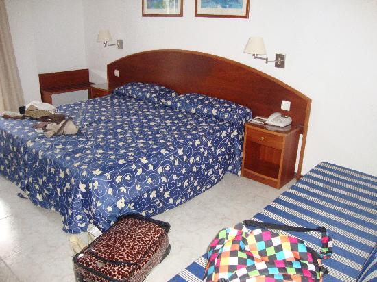 Hotel RK Aloe Canteras : CAMAS
