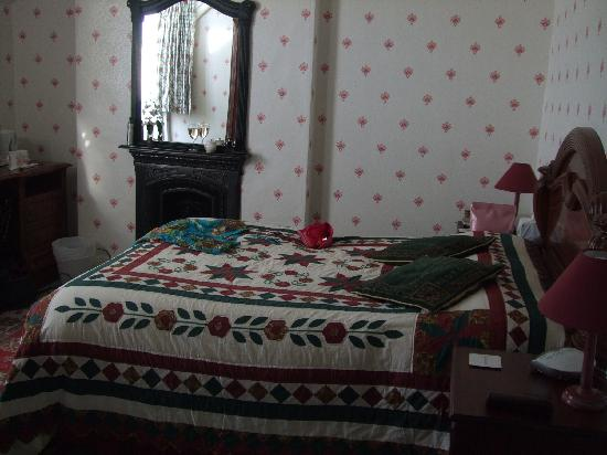 Robertswood House: our wonderful room