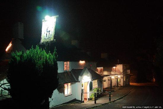 The Spyway Inn: The inn at night