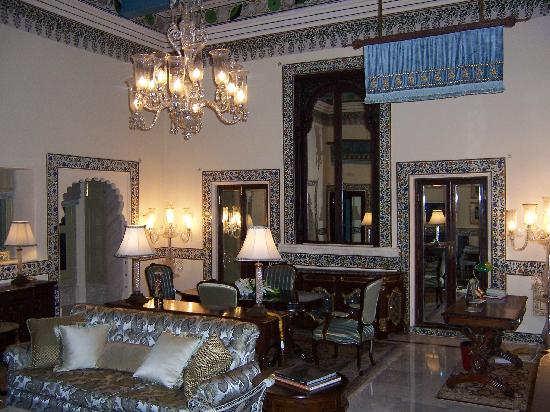 Taj Lake Palace Udaipur : grand royal suite