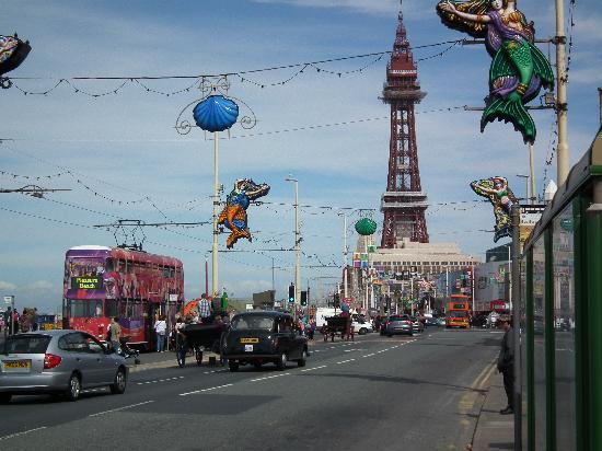RockDene Hotel: Blackpool tower