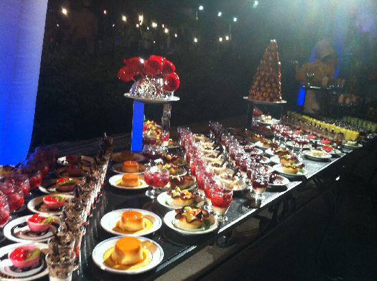 Club Med Kemer : Buffet des desserts White Sensation Dinner