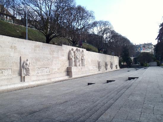 Appart'City Geneve Gaillard: Reformation wall