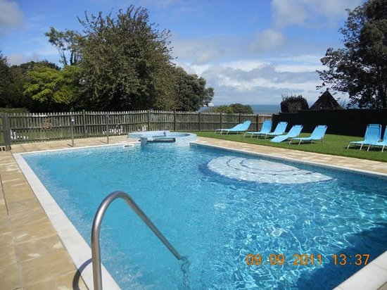 Luccombe Manor Country House Hotel: New Heated Outdoor Spa Pool
