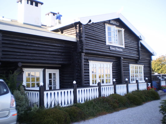 Finn's Pension Hotel