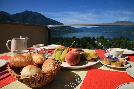 Hotel Campofelice: breakfast