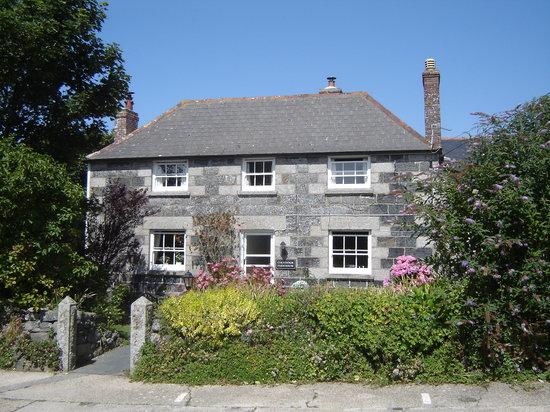 Colvennor Farmhouse: Colvennor Farmhouse Front Aspect