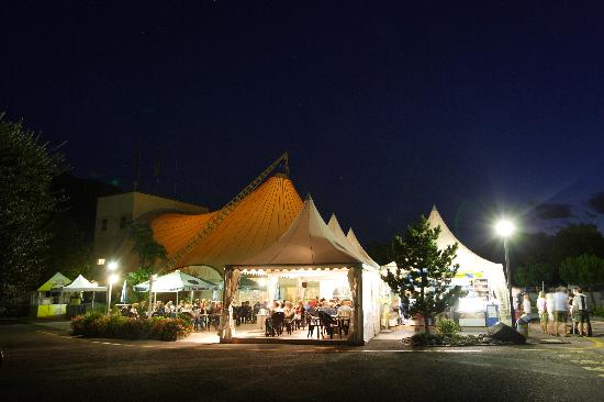 Hotel Campofelice: bar tenda