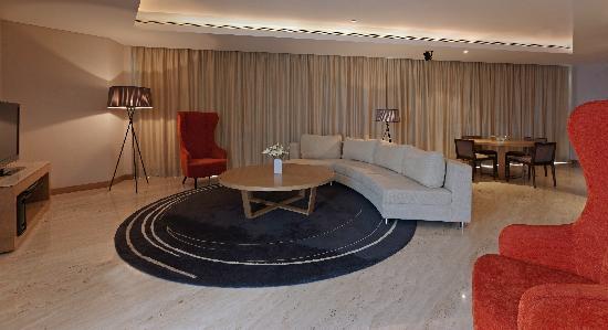 Westin executive club picture of the westin mumbai - The living room mumbai maharashtra ...