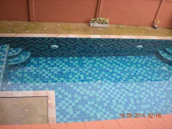 Chang Thai House: swimming pool 1