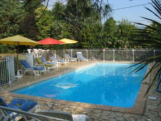 Mas Pallares: Sunny Pool