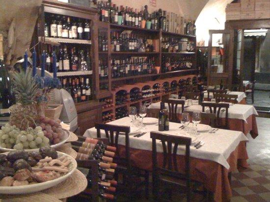 Vineria Picasso-vini e piatti tipici siciliani